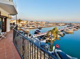 Puerto Banus Marbella Spain Large 3 bedroom 280m2 Apartment 218, hotel in Marbella