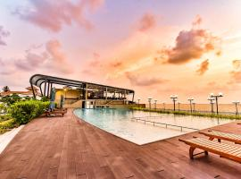 Grandeeza Luxury Hotel, hotel near Bandaranaike International Airport - CMB,