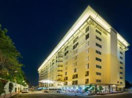 NRC Residence, hotel in Lat Krabang
