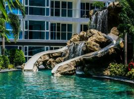 Avenue Residence & Suites Pattaya Central, apartment in Pattaya
