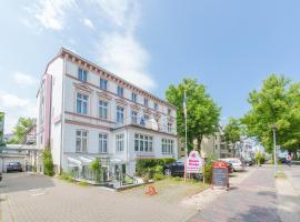 Haus Troja / Pension Katy, hotel in Warnemünde