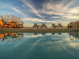 Tramonto Villa, hotel near Shipwreck Beach, Volimai