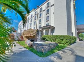 Best Western Airport Inn & Suites, hotel perto de The Florida Mall, Orlando