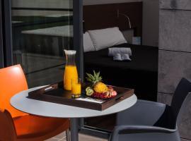 täCH Madrid Airport, Hotel in der Nähe vom Flughafen Madrid-Barajas - MAD,