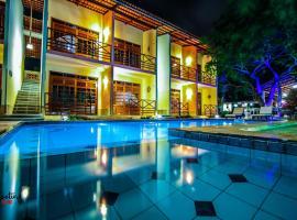 Hotel Pousada Sol & Lua, guest house in Paracuru