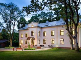 Modlin Palace, family hotel in Nowy Dwór Mazowiecki