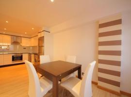 Spacious Apartment in Sanxenxo with Terrace, hotel en Montalvo