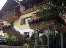 B&B Al Cedro, hotel near Lago di Tovel, Sporminore