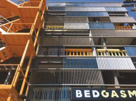 BEDGASM Poshtel x Cafe @ Nimman โรงแรมใกล้ มหาวิทยาลัยเชียงใหม่ ในเชียงใหม่