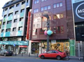 Somriu Hotel City M28, hotel in Andorra la Vella
