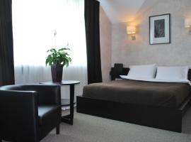 Гранд Клуб Отель, отель в Туле