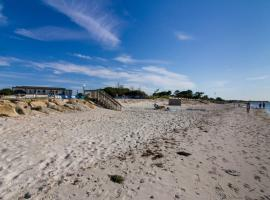 Surfcomber On The Ocean, budget hotel in South Yarmouth