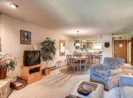 Two-Bedroom Atrium Condo 106, apartment in Breckenridge
