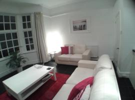 Holland House, apartment in New Brighton