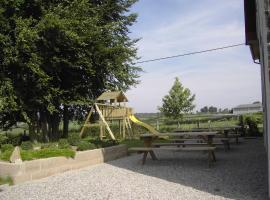 Cozy Holiday Home in Heppenbach with Meadow View, holiday home in Amblève