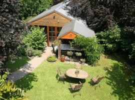 Quaint Holiday Home in Waimes with Terrace, hotel with pools in Waimes