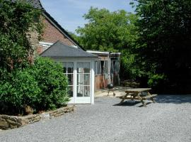Cosy Cottage in Ardennes with a Garden, villa in Ferrières