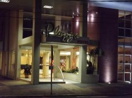Plazza Hotel, hotel em Águas de Lindoia
