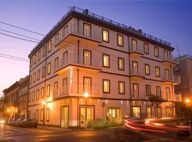 Card International Hotel, hotel near Piazza Cavour, Rimini