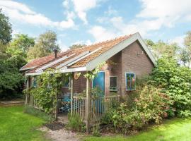 Cozy Holiday Home in Callantsoog with Private Garden, budget hotel in Callantsoog