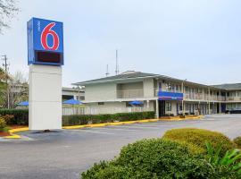 Motel 6-Charleston, SC - South, hotel in Charleston