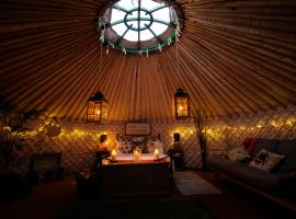 Glamping on the Hill, luxury tent in Mells
