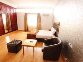 Ngaliema Resort Club, hotel in Abidjan