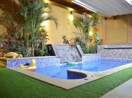 The Resort Studio - New Cairo, hotel with pools in Cairo