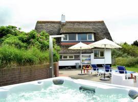 Sunlit Villa with Sauna in Nes, Hotel in Buren