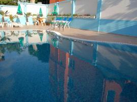 Family Hotel Hedi、ソゾポルのホテル