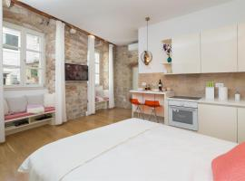 That place studio apartment, room in Trogir