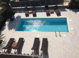 Apartments and Rooms Heisenberg 2, hotel with pools in Rovinj