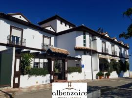Albenzaire Hotel Asador, hotel cerca de Aeropuerto Federico García Lorca de Granada-Jaén - GRX, Fuensanta