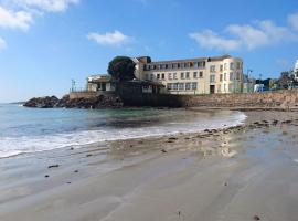 Fort d'Auvergne Hotel, hotel in Saint Helier Jersey