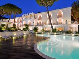 Hotel La Pineta, hotel with pools in Acciaroli