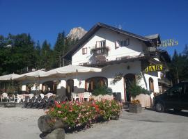 Hotel Fiames, hôtel à Cortina d'Ampezzo
