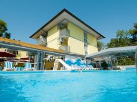Hotel Ai Pini, hotel in Grado