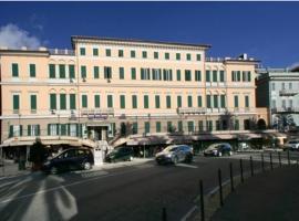 Hotel Mediterranee, hotel in Genoa