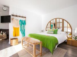 COME TO SEVILLA Suites del Arenal, guest house in Seville