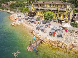 Taki Village, hotell i Brenzone sul Garda