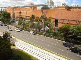 Ótimo Apto Shopping Iguatemi, hotel near Bourbon Country Theatre, Porto Alegre