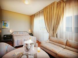 Hotel Bristol, hotel in Pesaro