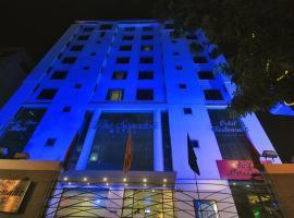 The Senator Hotel, hotel in Kolkata