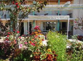 Hostellerie de La Poste、Oustのホテル