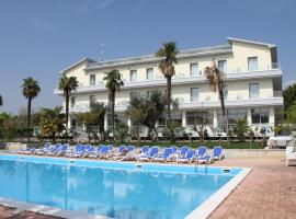 Villa Paradiso Suite, hotel in Moniga