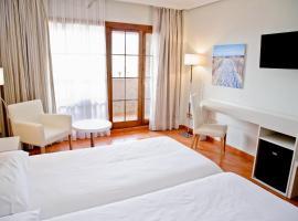 Hotel Bahia Sur, hotel cerca de Real Novo Sancti Petri Golf Club, San Fernando