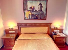 Hotel Acropole, hotel near Achaia Clauss, Patra