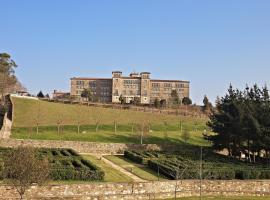 Albergue Seminario Menor, hotel near Manos Unidas, Santiago de Compostela