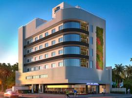 Blue Hill Hotel, hotel in Timbó