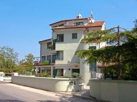 Apartment Emma, hotel near Benazic Winery, Pula
